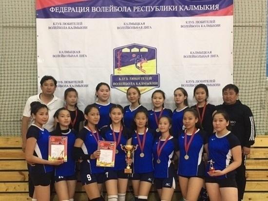 В калмыцком турнире по волейболу победили кетченеровки