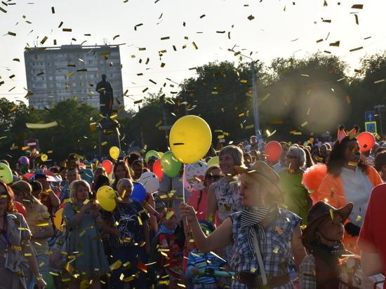 Любимый город: в Евпатории встретили лето масштабным праздником