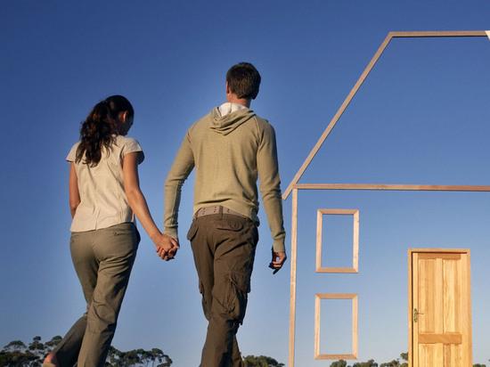 Дом, который построил мошенник: в Акбулаке молодая семья осталась ...