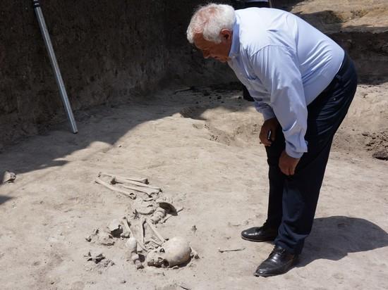 Захоронение времен неолита обнаружили в Болгарии