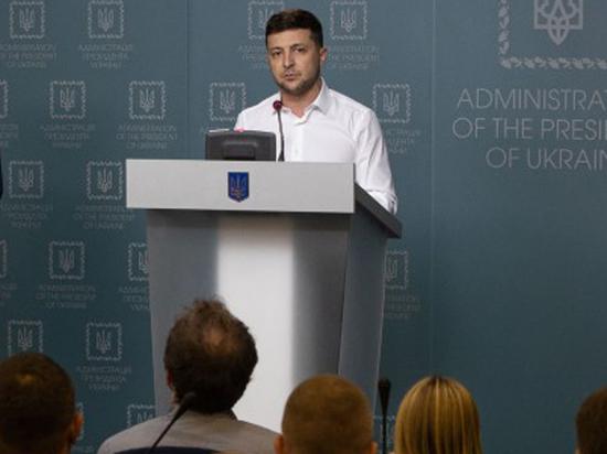 Президент Зеленский извинился за свою распоясавшуюся охрану
