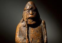 Британский антиквар купил шахматную фигурку за пять фунтов, хранил ее в загашниках, а после смерти владельца аукционный дом Sotheby's оценил артефакт в миллион фунтов