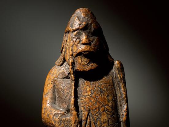 Наследники нашли в «завалах» шахматную фигуру за миллион фунтов