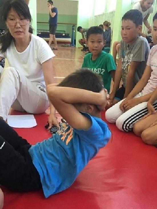 Дети в Юстинском районе Калмыкии сдают ГТО