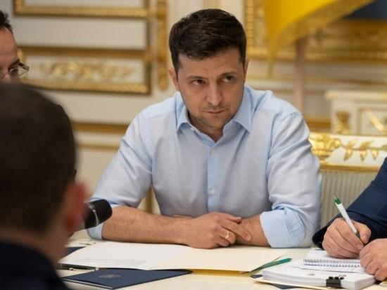 Зеленский назвал дефолт на Украине
