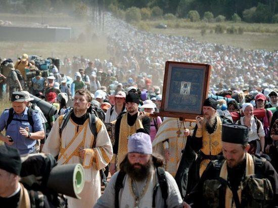 Из Великорецкого крестного хода вывезли 50 человек