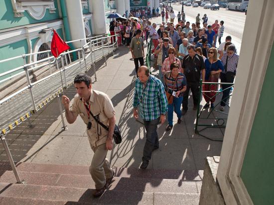 Матвиенко поддержала идею Беглова о введении туристических сборов