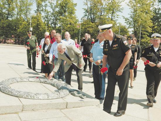 Общественный совет при Минобороны посетил Балтийский флот