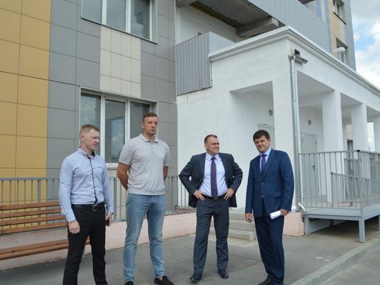 Дольщикам долгостроя на Беловежской вручат ключи от квартир