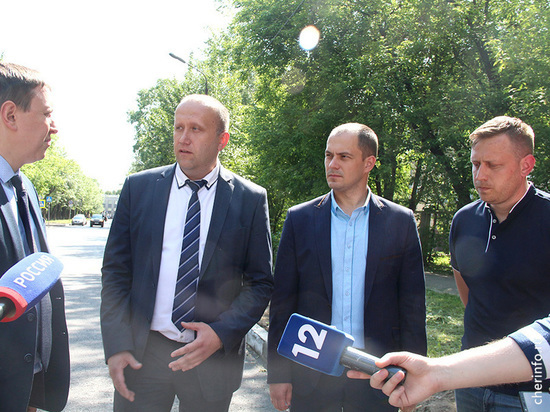 Журналисты и общественность проинспектировали ремонты дорог в Череповце