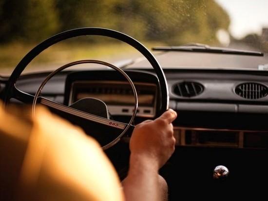 В Гурьевском районе мужчина угнал автомобиль, чтобы доехать до дома