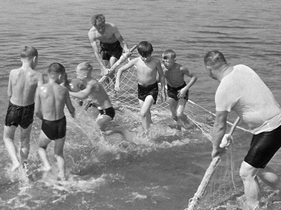 Мэрия запретила купаться в городской черте и дала рекомендации, как это сделать