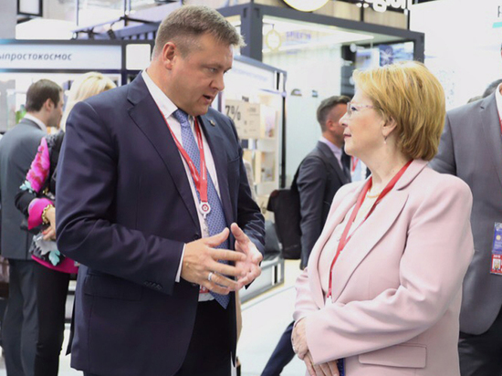 Любимов встретился с главой минздрава Вероникой Скворцовой на ПМЭФ-2019
