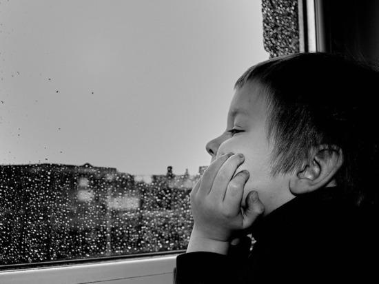 В Кировской области третий ребенок выпал из окна