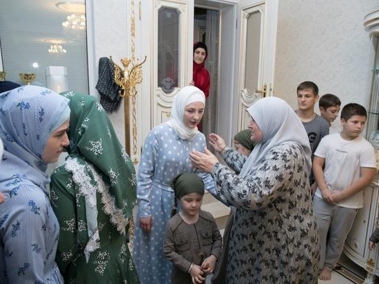 Глава Чечни Кадыров заработал 7,5 млн рублей за год