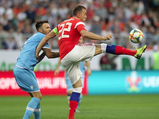 Сборная России разгромила Сан-Марино с рекордным счетом 9:0, Дзюба забил 4