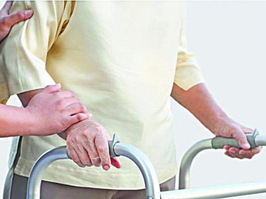 Как восстановиться после перелома шейки бедра