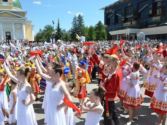 В Омске в честь Дня России на три дня перекроют дороги