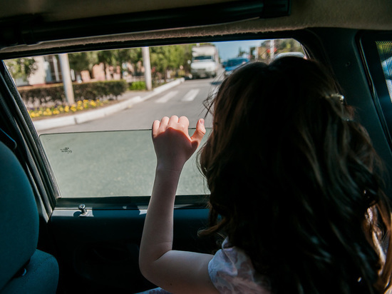 Городские власти закрывают улицу Ахматовская от автомобилистов