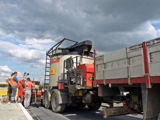 На калмыцких автодорогах продолжается ремонт