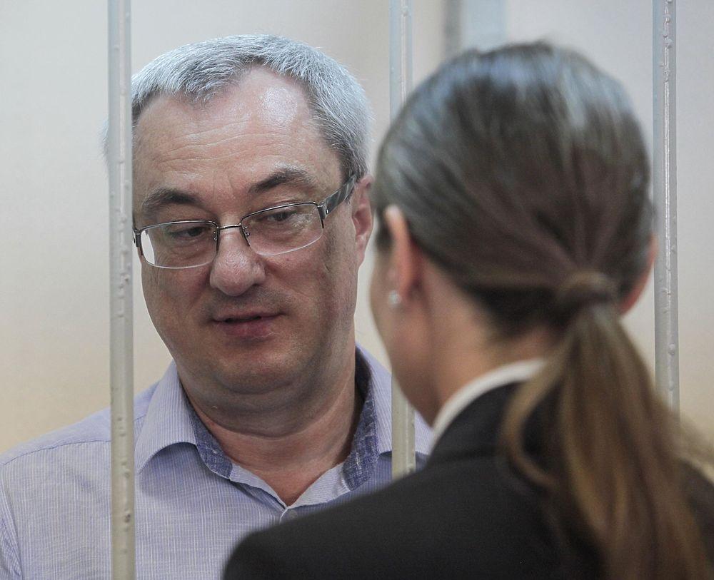 "Экс-глава Коми Гайзер получил 11 лет ""строгача"": кадры суда"