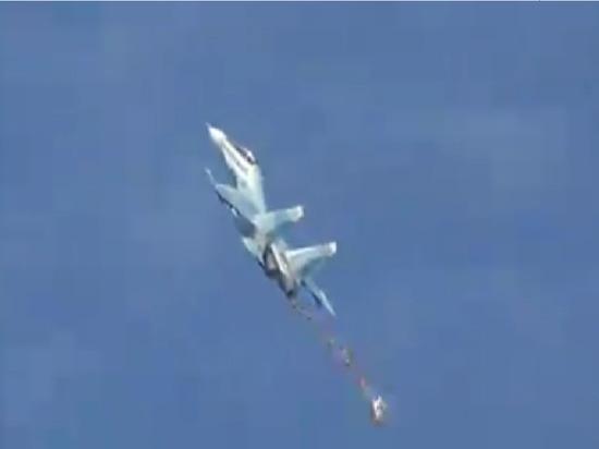 Над Севастополем у истребителя отстрелило тормозной парашют