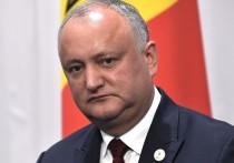 Политический кризис в Молдавии: Додона убрали, но он не ушел