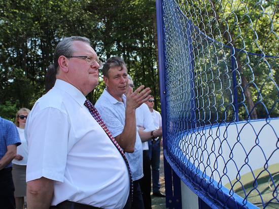 Эдуард Зайнак проконтролировал исполнение поручений Губернатора в Устюженском районе