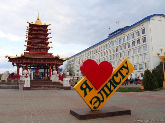 В День России в калмыцкой столице ограничат движение транспорта
