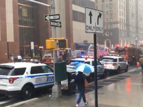 Вертолет врезался в небоскреб на Манхеттене