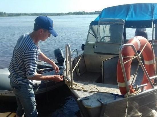 В Сарапуле добровольцы ОСВОД спасли выпавшего в воду рыбака