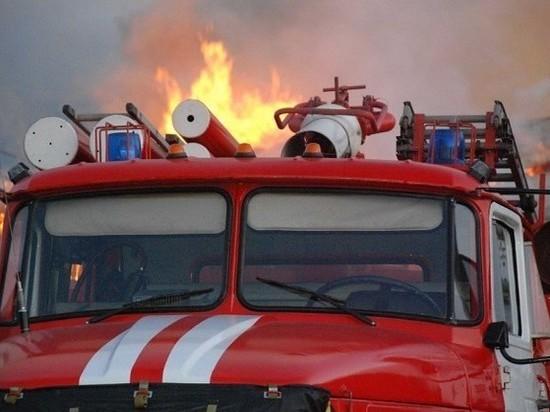 В Ивановской области сгорела лесопилка