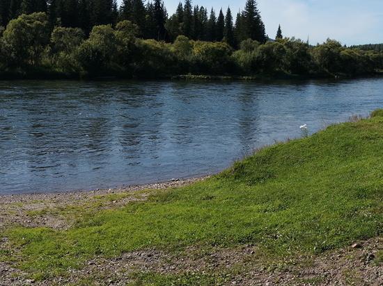 Игравшая на берегу реки 6-летняя девочка пропала в Забайкалье