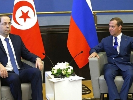 Медведев предложил ввести четырехдневную рабочую неделю: