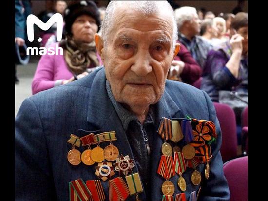 95-летний ветеран опозорил вольских чиновников