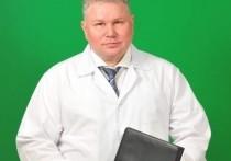 Акушер Денисов получил награду из рук губернатора ЯНАО