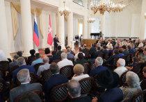 Дюмин наградил организатора серийного производства ЗРПК «Панцирь-С»