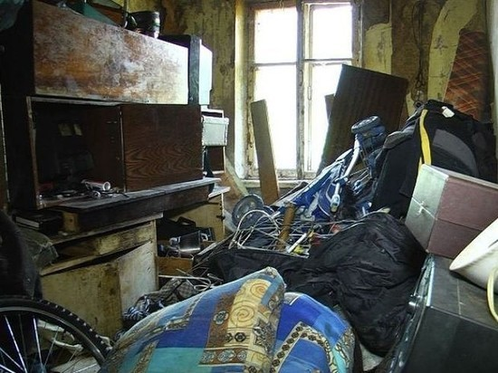 В Рыбинске выселят на улицу мужчину устроившего из своей комнаты свалку