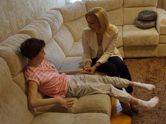 На Ставрополье депутат помогла инвалиду - дочери сельского священника