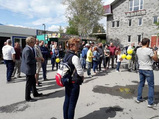 Мэр Кольцово раскрыл митингующим перспективы дорожного строительства