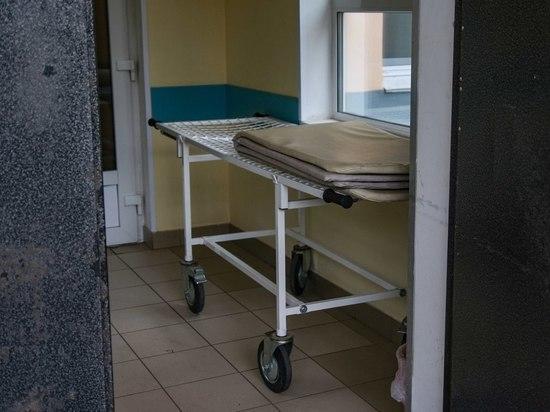 Подросток получил серьезные травмы, упав со второго этажа «заброшки» в Петрозаводске