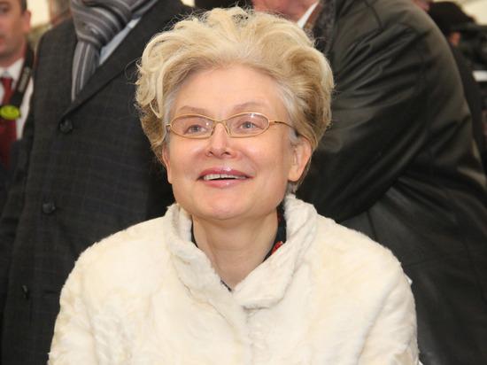 Елена Малышева опровергла слова жительницы Башкирии об обмане пациентов