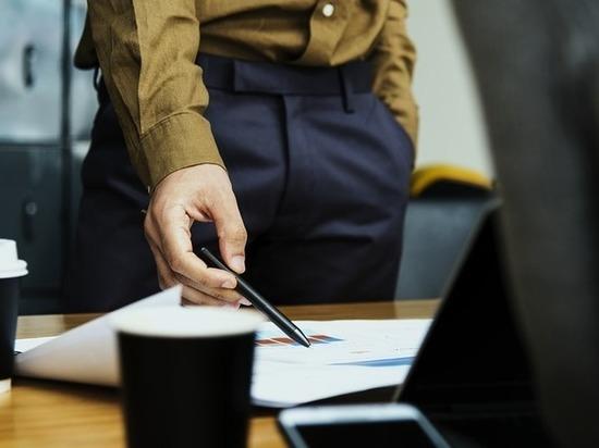 Рубцовский чиновник заключал фиктивные договоры с подрядными организациями