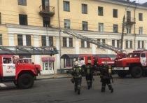 В Твери серьезный пожар – горит квартира на площади Мира