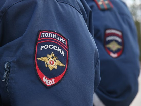 На улице в Ржеве Тверской области задержали мужчину со свертком