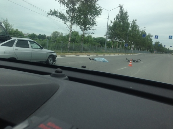 В Ярославле на проспекте Фрунзе погиб велосипедист