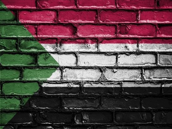 AlArabiya проинформировала о  попытке 2-го  затри месяца перелома  вСудане