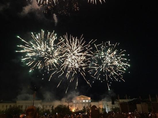 Концерт «Фабрики» и фейерверк подарили читинцам на День России