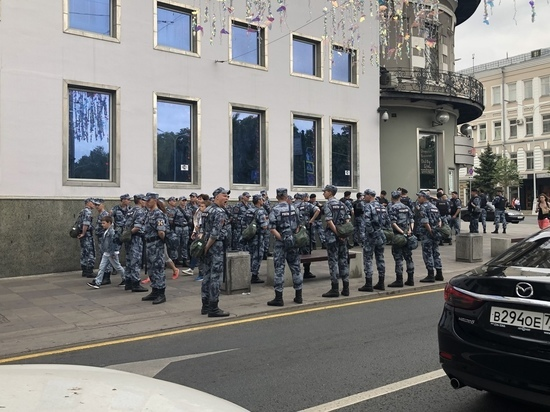 На несанкционированном митинге в Москве задержали каждого шестого: кто ответит