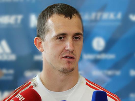 Андрей Лунев стал скандалить у стойки регистрации в аэропорту